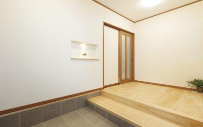 ヒノキの香り豊かな自然素材の家